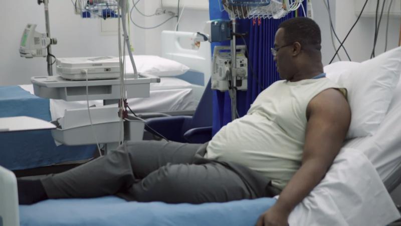 受試者正接受倫敦帝國學院的實驗,希望透過激素注射劑,達到減肥效果。(CNEX 提供)
