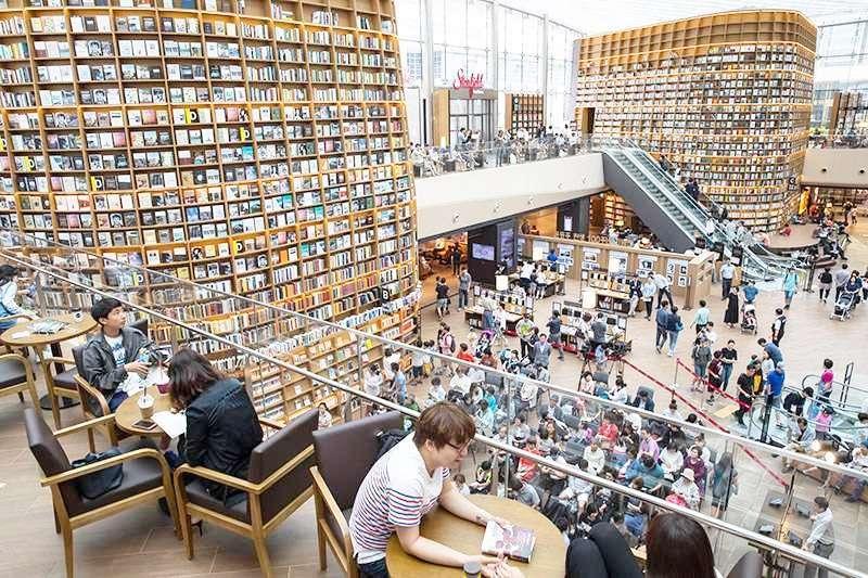 圖書館就是死氣沉沉?讓超美的「星空圖書館」打破你的刻板印象!(圖/1992 since@flickr)