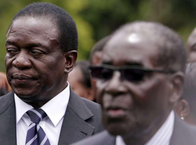 辛巴威總統穆加比辭職(右),副總統姆納加瓦預計周五接任總統。(美聯社)