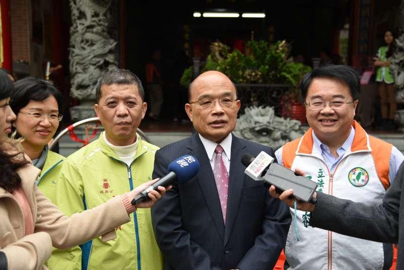 前行政院長蘇貞昌今(2)日說,他跟侯認識多年,平常亦有互動,侯說不選也不是第一次聽到。(民進黨立委蘇巧慧辦公室提供)