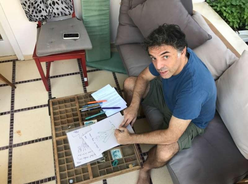 20171204-《我絕非虛構的美好七年》作者艾加‧凱磊。(寂寞出版社提供)