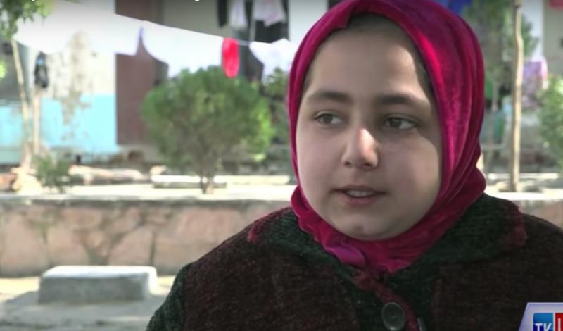 阿富汗少女米娜從出生到現在,從來看過電視,更沒有踏出過監獄。(截自美國之音)