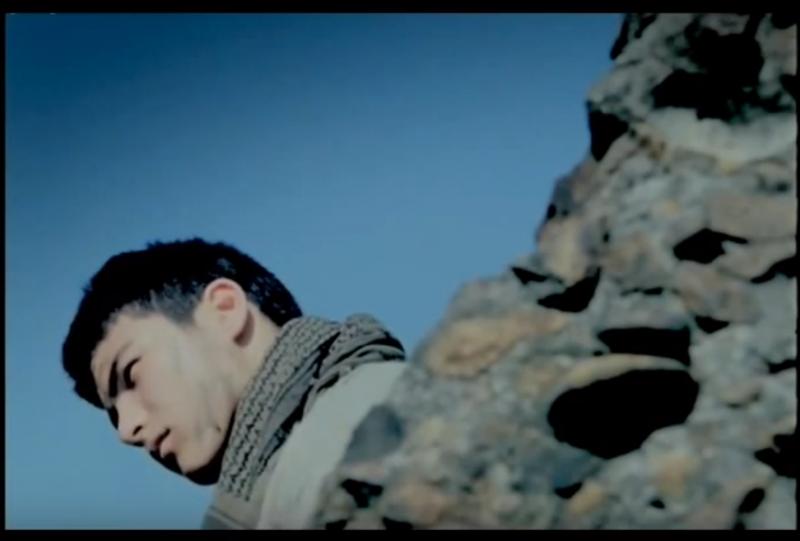 在《神的孩子》片中可以看到15歲的鳳小岳 (圖/ aozaru @youtube)