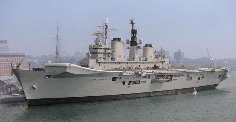 已在2014年退役的卓越號航空母艦。(Dschwen@Wikipedia/CC BY 3.0)