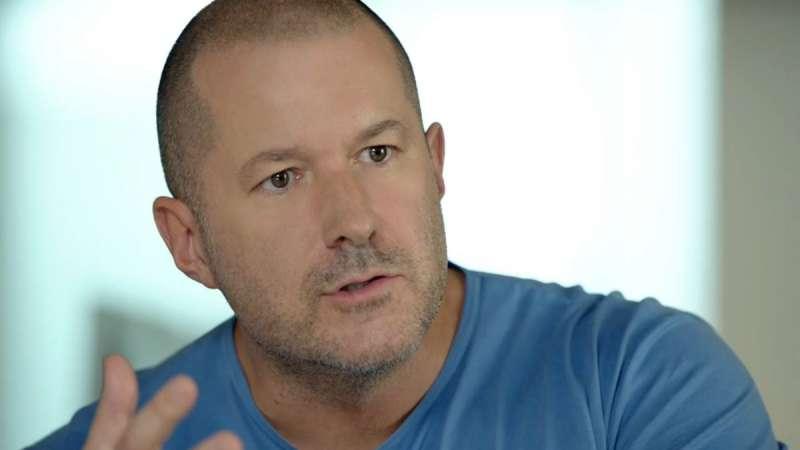 從第一代的iMac、iPod、iPhone、iPad、HomePod到Apple Store,強納森過去帶領產品設計團隊,與創辦人賈伯斯一起定義了蘋果產品經典的設計。(圖/取自twitter)