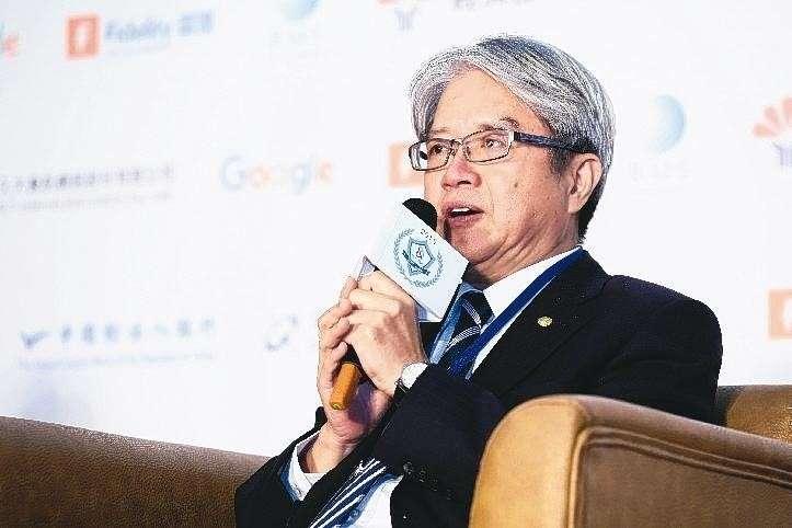 中國輸出入銀行理事主席林水永,呼籲民眾用「聽音樂」來傳遞對社會的愛。(圖/擷取自網路)