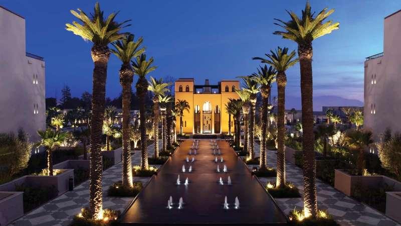 位於摩洛哥馬拉喀什的四季酒店就像一個花園,每個房間都有陽台,可以欣賞花園、泳池或山脈的美景。(圖/Four Seasons官網)