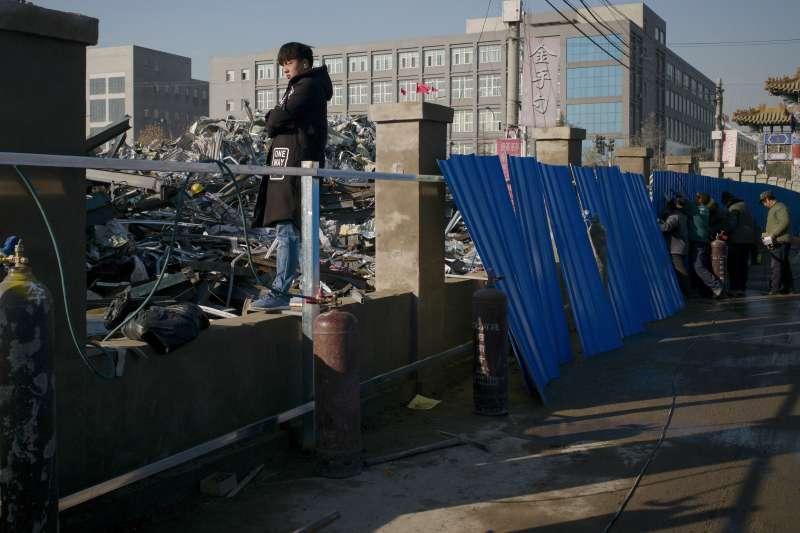 2017年歲末寒冬,北京大舉清除「低端人口」(AP)