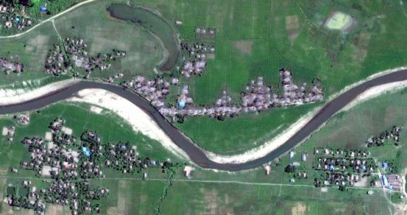 2017年11月6日若開邦北部貌奪鎮4個村落衛星影像。© 2017 Digital Globe