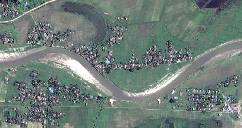 攝於2017年12月2日若開邦北部貌奪鎮4個村落的衛星影像。© 2017 Digital Globe