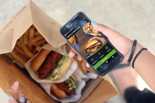 Shake Shack下一步除了繼續擴張國際市場外,將瞄準食物外送增加盈利。(圖/)