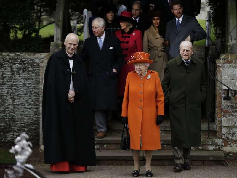 英國王室成員依循傳統,前往桑德林漢姆渡過耶誕和新年。(美聯社)