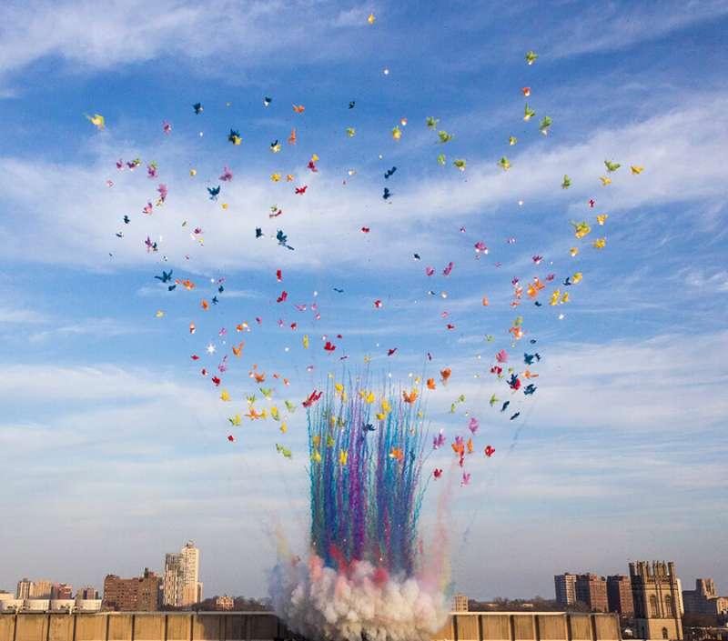 (圖/ © Cai Guo-Qiang : Color Mushroom Cloud)