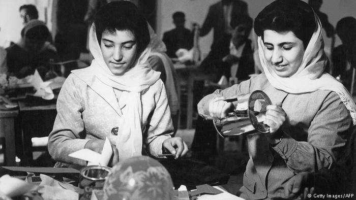 1980年代的阿富汗理工大學,女學生並不稀奇。(德國之聲)