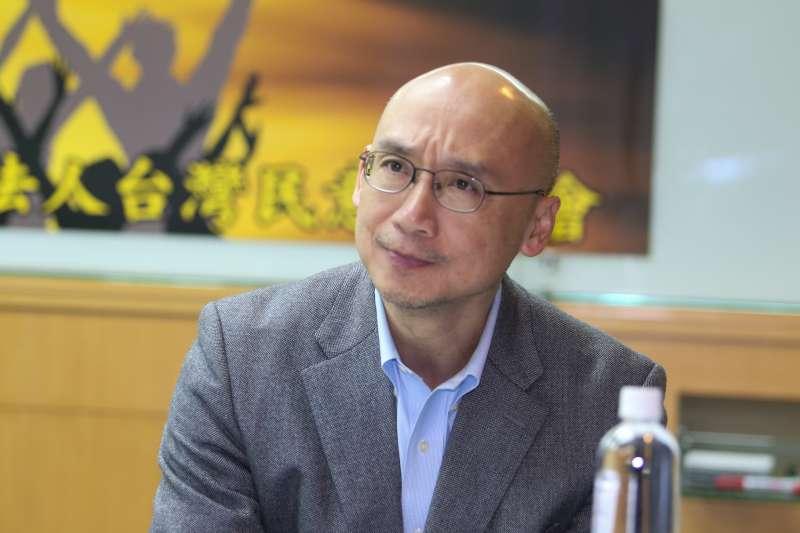 教授林佳和,出席台灣民意基金會舉行「2017年終台灣重大民意走向」民調發表會。(陳明仁攝)