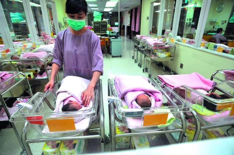 台灣出生率再不提升,人口數2000萬關卡將失守。(林瑞慶攝)