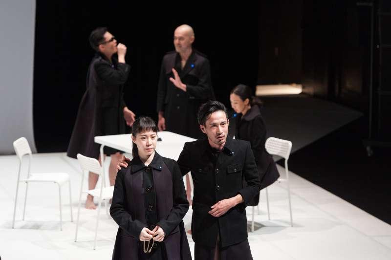 由台灣與日本演員合作,角色具備混合特質,揉碎經典人物的代表符號(圖/莎士比亞的妹妹們的劇團 提供)