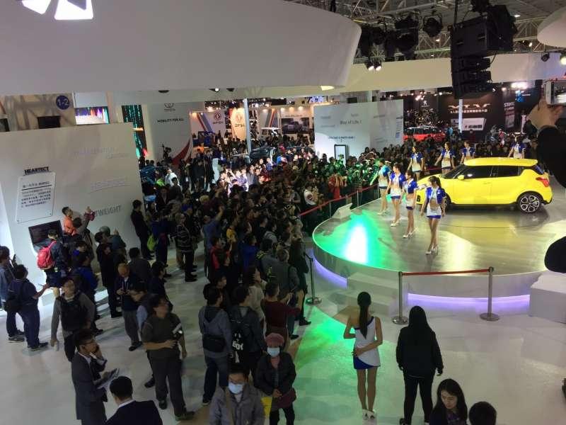 2018世界新車大展TAIWAN SUZUKI攤位新車亮眼,也吸引很多觀眾前往。(圖/SUZUKI提供)