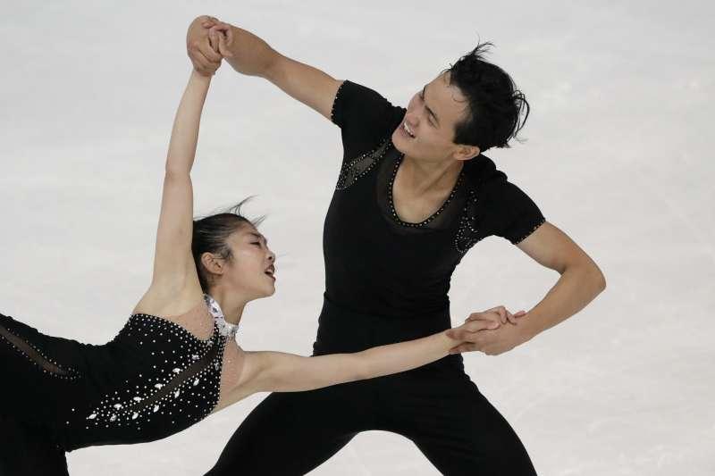 北韓花式滑冰雙人項目選手廉太鈺和金柱希,可望參加平昌冬奧(AP)