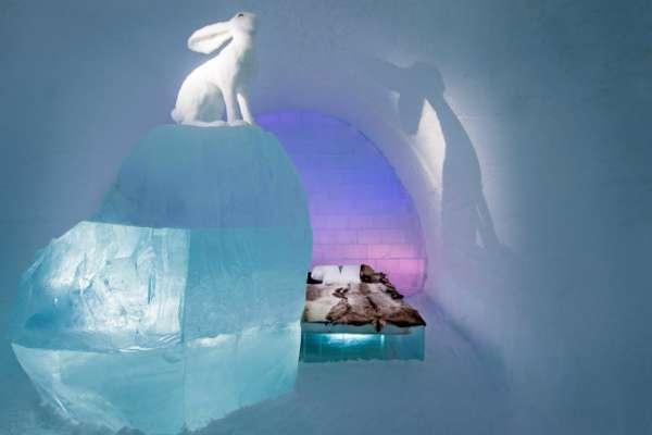 設計師 Anna Sofia Mååg & Niklas Byman 所設計的 「Follow the White Rabbit 」(圖/Asaf Klige Ice Hotel Jukkasjärvi)