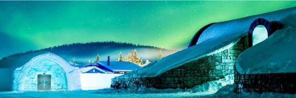 誕生於瑞典 Jukkasjärvi 的冰屋酒店(Ice Hotel),不只是世界上第一間,也是最大的冰屋酒店,每年都有新花招吸引全球旅人前來體驗被冰雪包圍的奇幻滋味。(圖/Asaf Klige Ice Hotel Jukkasjärvi)