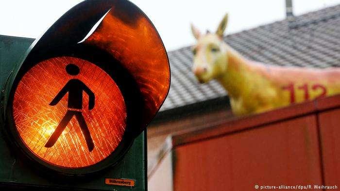 德國韋瑟爾市提案,希望把該市標誌「小毛驢」加入紅綠燈。(德國之聲)