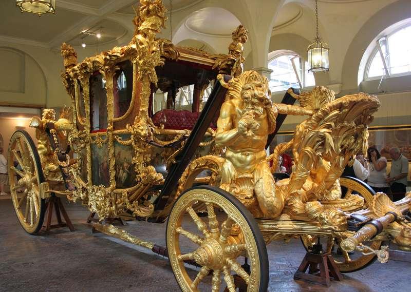 英國王室的金馬車(Crochet.david@Wikipedia/CC BY-SA 3.0)