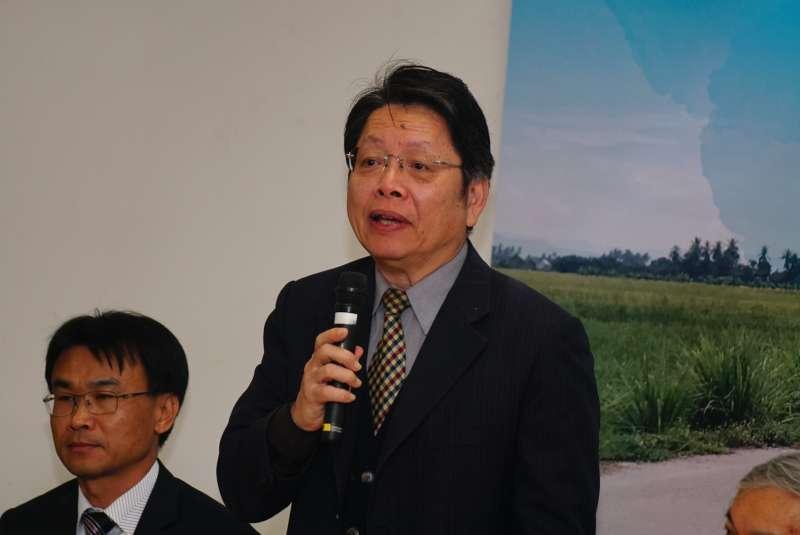 20180115-學術界支持農田水利會改制記者會,台灣大學吳榮杰教授發言。(盧逸峰攝)