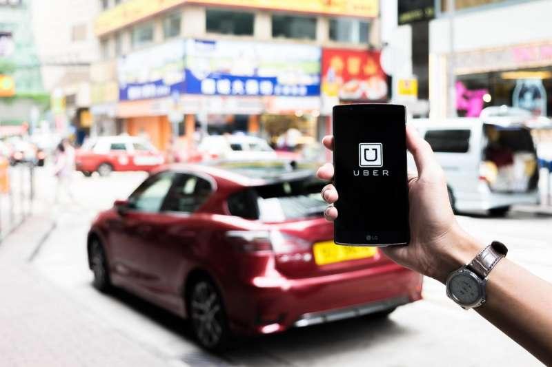 2016年,Uber決定將在中國的品牌、業務、數據等資產,通通賣給中國的滴滴出行。(圖/shutterstock,數位時代提供)