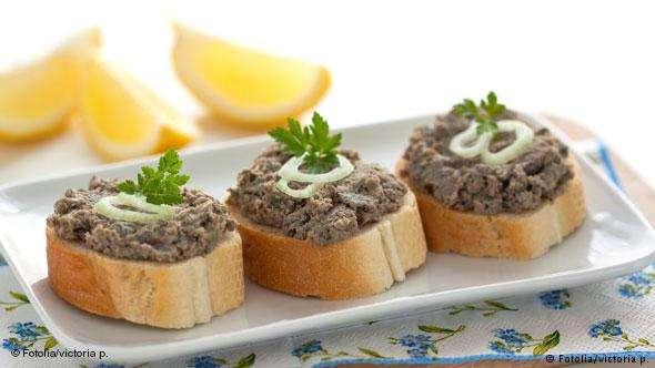 切成小片的法棍麵包,再配上鵝肝醬,就是一道法國傳統名菜(德國之聲)