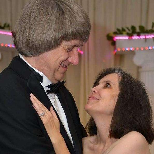 57歲的特賓和49歲的妻子露易絲.安娜.特賓涉嫌虐兒,囚禁13名孩子並以鎖鍊鍊住他們。(via David-Louise Turpin's Facebook)