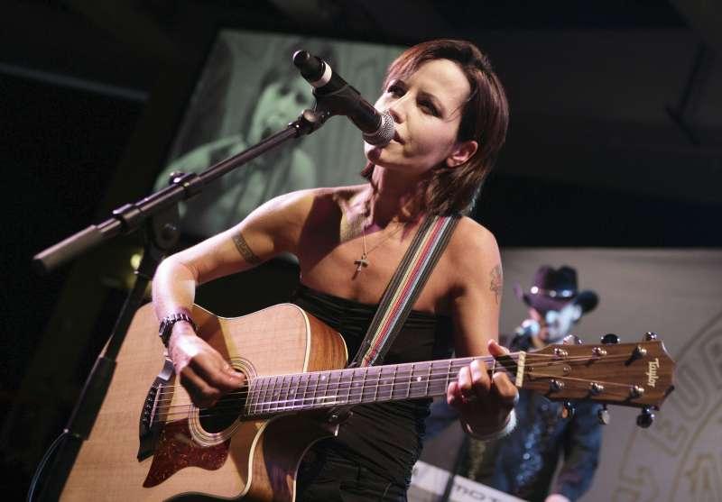 愛爾蘭搖滾樂團「小紅莓」女主唱陶樂絲(Dolores O'Riordan)(AP)