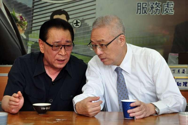 2018-01-17-國民黨籍台中市議員、台中市議會議長林士昌(左)、國民黨主席吳敦義。(取自林士昌臉書)