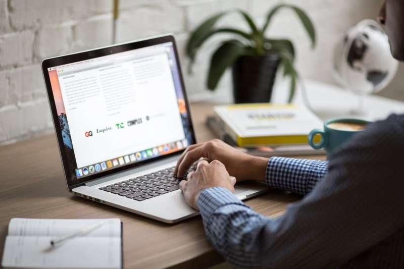 Mac筆電誕生10年了,為全世界帶來多少變革?(圖/Pexels)