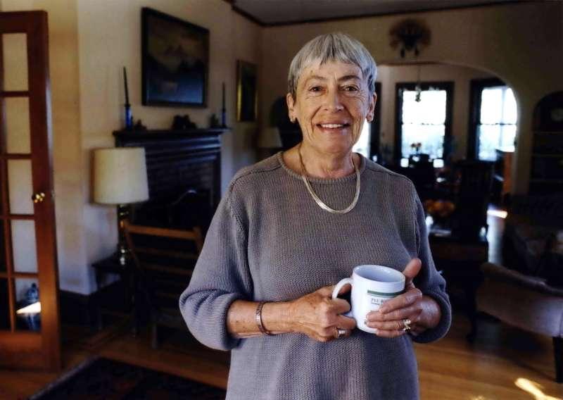 美國奇幻作家娥蘇拉.勒瑰恩辭世,享壽88歲。(美聯社)
