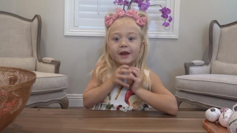 年輕的孩子不只是螢幕前的觀眾,走到鏡頭前的小小YouTuber也成了新興趨勢,圖為四歲YouTuber的Everleigh Soutas。(圖/Youtube,數位時代提供)