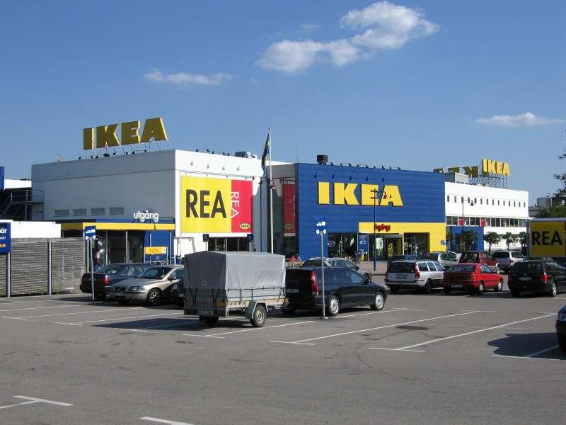 1958年,IKEA在瑞典開設第一家家具展示場。IKEA創辦人坎普拉1月27日過世,享壽91歲。(圖/Christian Koehn@CCBYSA3.0)