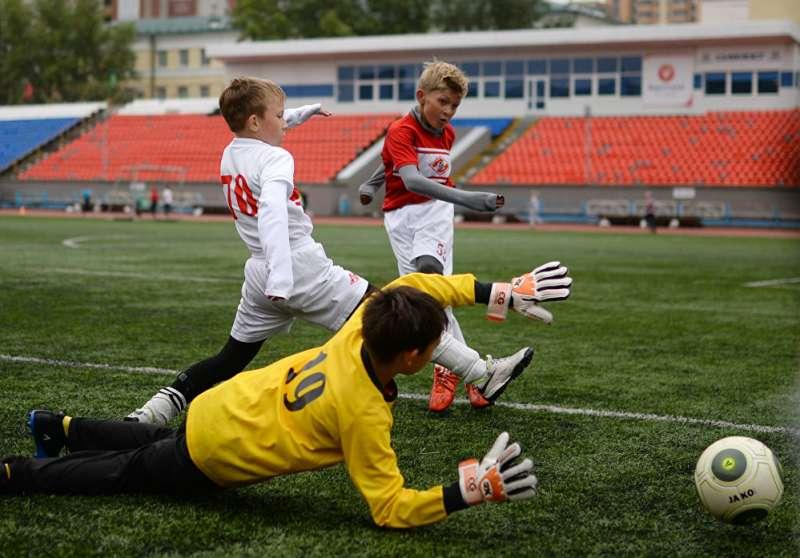 俄羅斯新西伯利亞足球賽。(俄羅斯衛星通訊社)