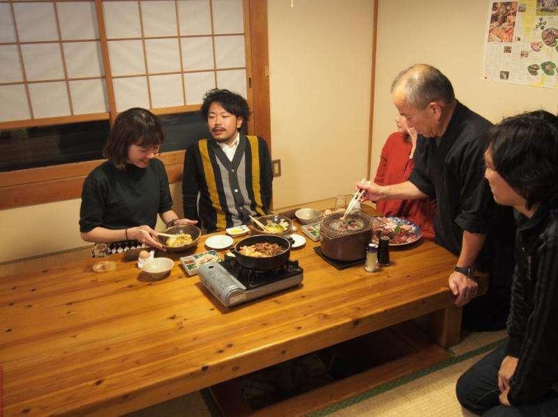 安藝站HATAYAMA休憩之家,極品料理本地雞「土佐次郎」滿足各地旅人的胃。(圖/高知縣安藝市)