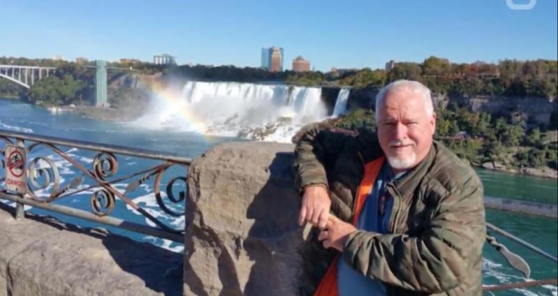 加拿大看起來和藹可親的老園藝師麥阿瑟,被控殺死至少5人,還將他們分屍後埋在花園裡。(圖/截自youtube)