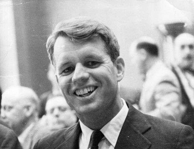 約瑟夫甘迺迪也是美國前司法部長羅伯特‧甘迺迪(Robert Kennedy)的孫子。羅伯特‧甘迺迪在1968年競選總統時遇害。(BBC中文網)