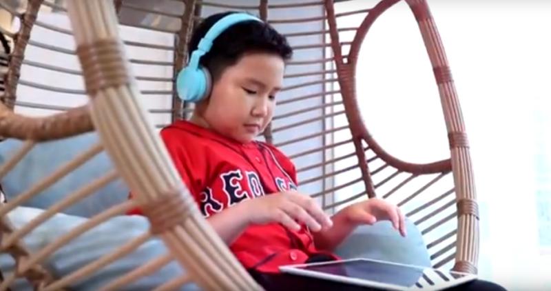 個人式英語家教服務提供24小時真人線上教學。(圖/tutorJr@Youtube)
