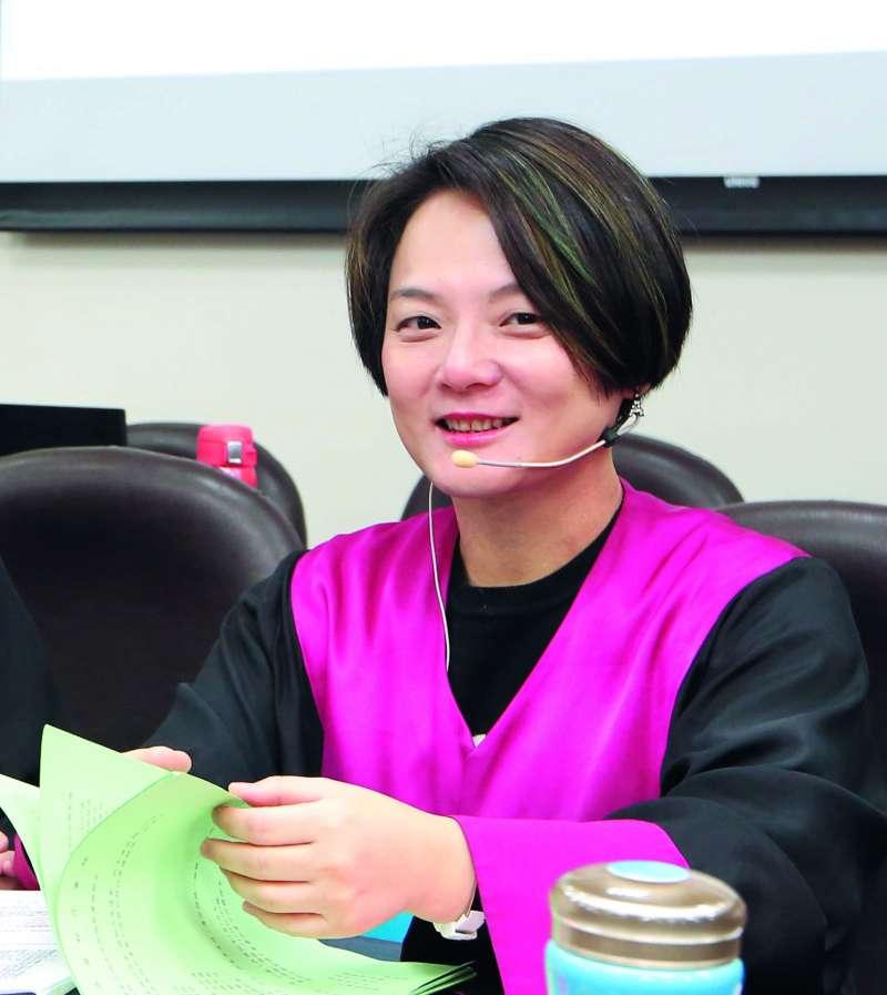 檢察官張安箴認為,國民法官也應該看卷證。(郭晉瑋攝)