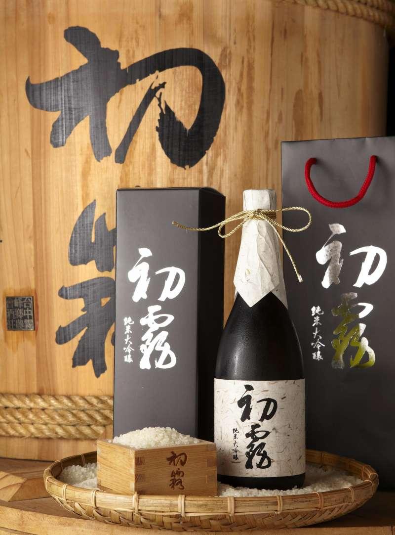 初露純米大吟釀傳承日本杜氏釀酒法,曾獲2017布魯塞爾世界酒類評鑑烈酒競賽金質獎。(圖/行政院農委會提供)