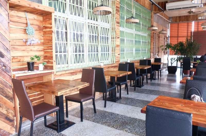 屏東潮州-藝棧蔬食咖啡館(謝孟穎攝)