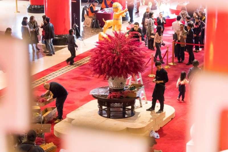 圓山飯店吸引遊客,裝潢特別融入當代藝術新美學與禪風佈置。(圓山大飯店提供)