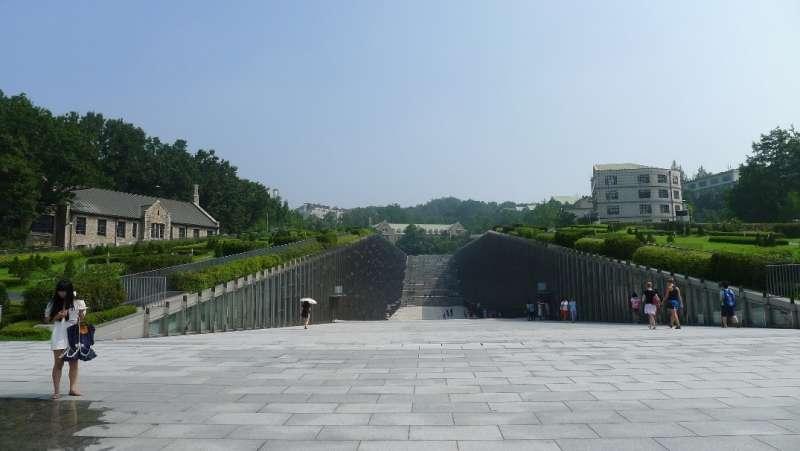 優美校園一度成觀光景點的梨花大學,一年的學費為847萬韓幣(約台幣23萬)(圖/Fion提供)