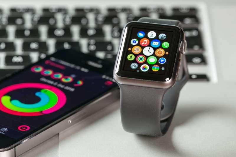 結合智慧醫療領域,Apple Watch想在穿戴式裝置應用有更多著墨。(圖/shutterstock,數位時代提供)
