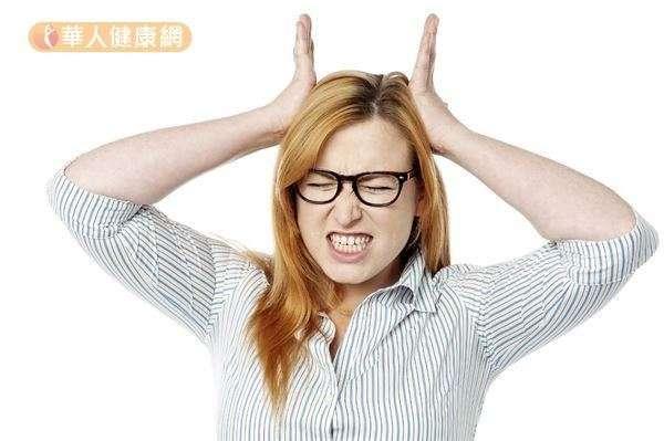 凸眼、食慾大增卻體重減輕、心跳及呼吸加速、失眠、多汗、倦態等,是常見的甲狀腺機能亢進徵兆。(圖/華人健康網)