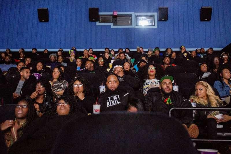 漫威英雄電影《黑豹》是史上第一部完全描寫黑人英雄的電影,廣受非洲民眾好評。(美聯社)